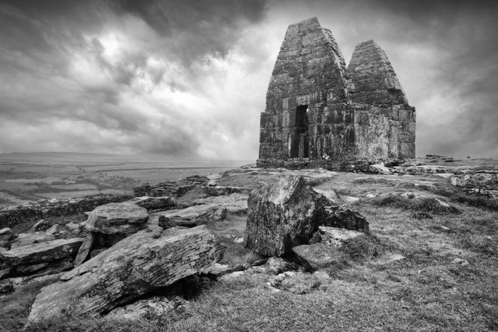 A383 Irelands smallest Church Inishmore